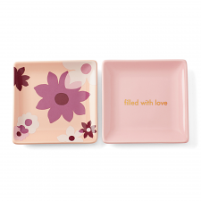 Sweet Talk 'Filled with Love' Square Dish Set of 2